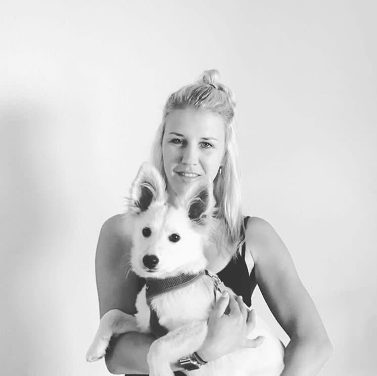 Lana  aus München Haarfarbe: blond (mittel), Augenfarbe: blau, Größe: 170, Deutsch: 0, Englisch: , Französisch: , Spanisch: