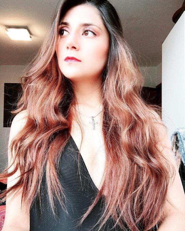 Model michelle aus Bochum Haarfarbe: schwarz