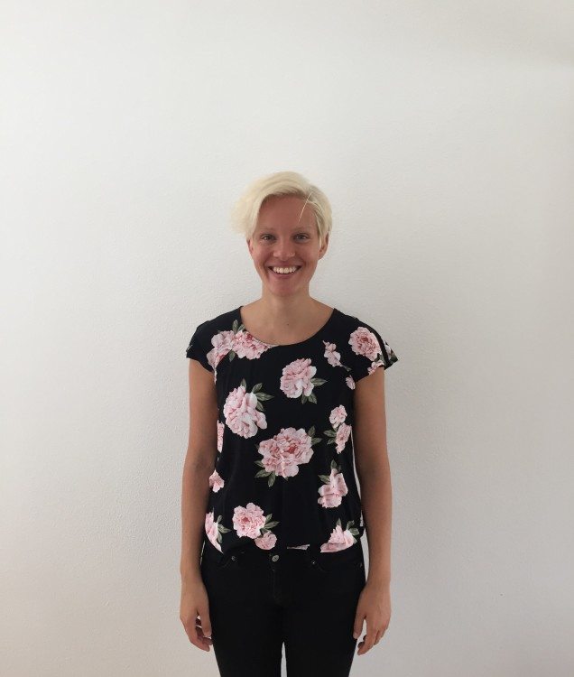 Hostess Lucia  aus Wien, Konfektion 38, Studium