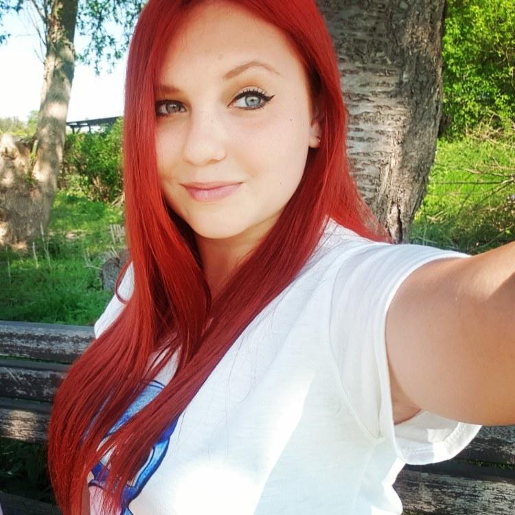 Natalia aus Düsseldorf Haarfarbe: rot (feurig), Augenfarbe: blau-grün, Größe: 160, Deutsch: 0, Englisch: , Französisch: , Spanisch: