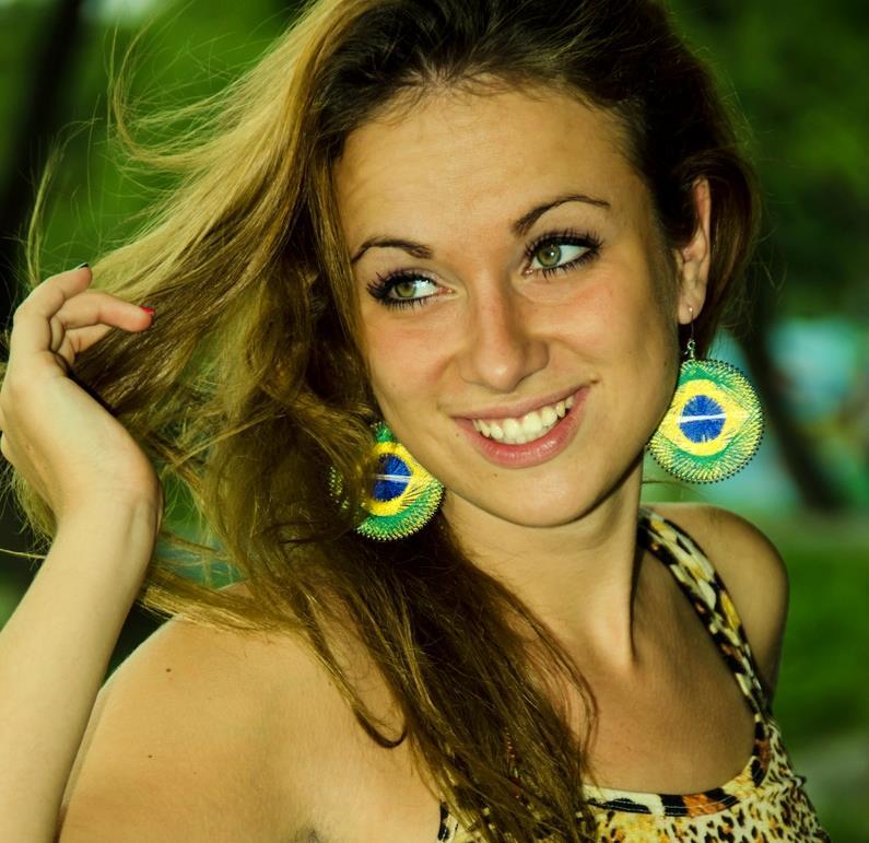 ivana aus Colonia Haarfarbe: blond (dunkel), Augenfarbe: grün, Größe: 174, Deutsch: 0, Englisch: , Französisch: , Spanisch: