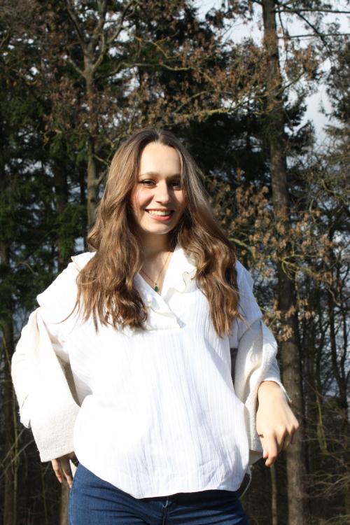 Natalie aus Heidelberg Haarfarbe: braun (mittel), Augenfarbe: braun, Größe: 167, Deutsch: 0, Englisch: , Französisch: , Spanisch: