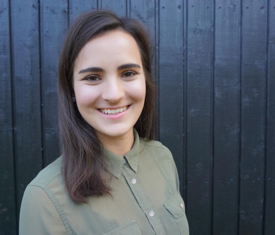 Katja aus Freiburg Haarfarbe: braun (dunkel), Augenfarbe: braun, Größe: 168, Deutsch: 0, Englisch: , Französisch: , Spanisch:
