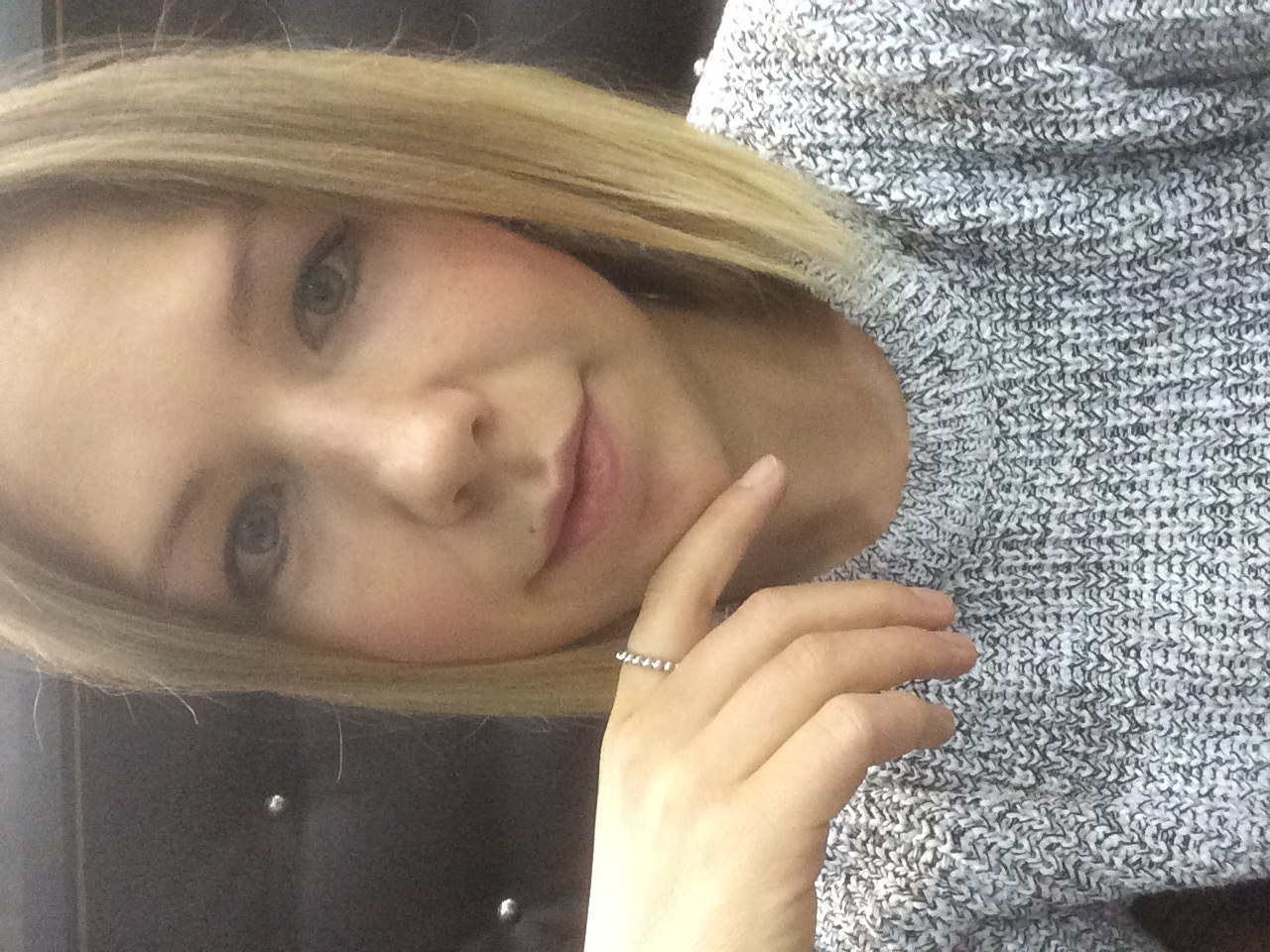 Model Lisa-Kathrin aus Düsseldorf Haarfarbe: blond (mittel)