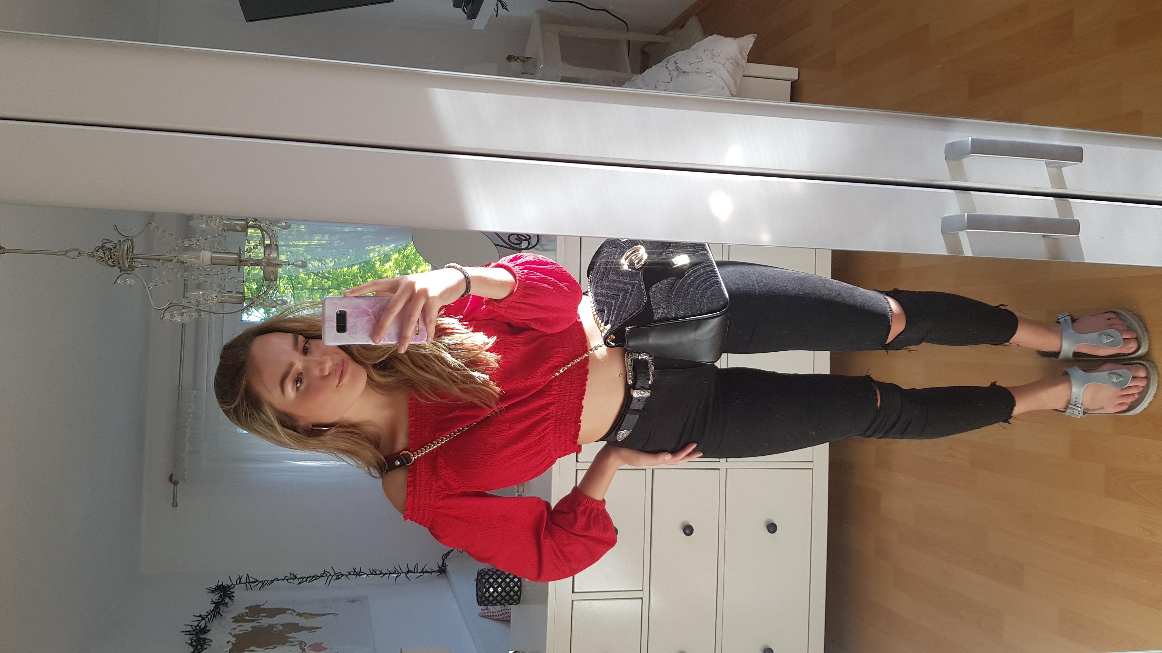 Hostess Anna aus Bochum, Konfektion 36, Studium