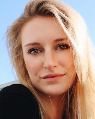 Model Helena aus Wien/Zürich Haarfarbe: blond (mittel)