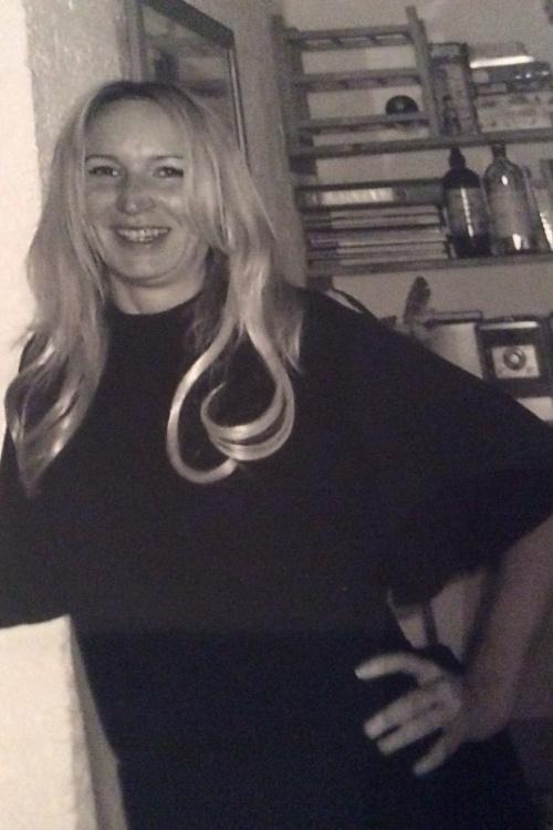 Model Katrin aus Bergisch Gladbach Haarfarbe: blond (hell)
