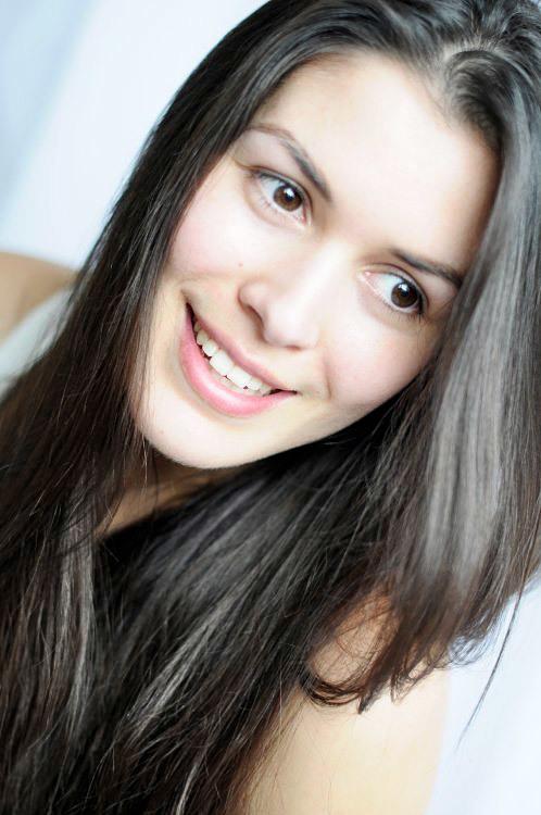 hostess Yasmin, Studium: Psychologie und Medienwissenschaften