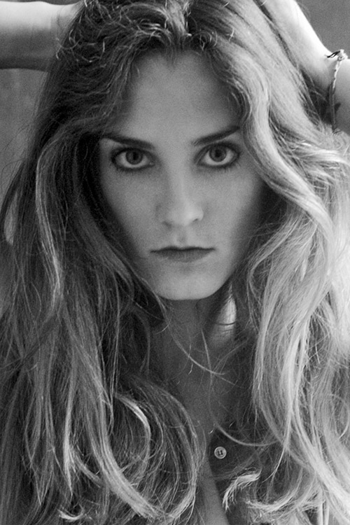 Model Elena aus Berlin Haarfarbe: blond (mittel)