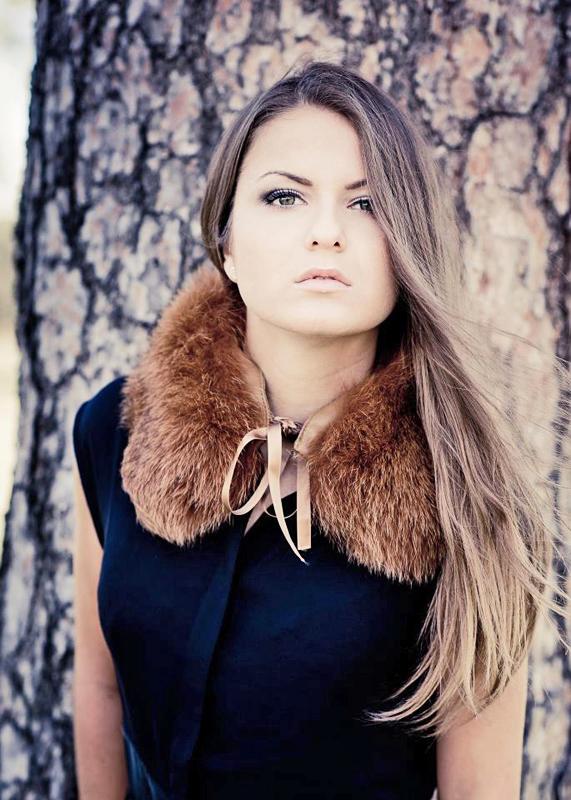 Model Natalia aus München Haarfarbe: braun (hell)