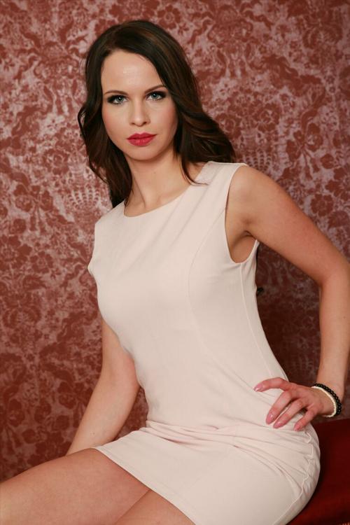 Lisa aus Hinrichshagen Haarfarbe: braun (dunkel), Augenfarbe: blau-grau, Größe: 170