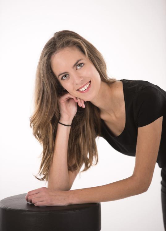 Hostess Antonia aus Hannover, Konfektion 34, Studium Pädagogik