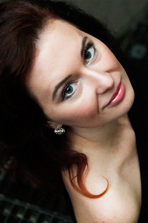 Model Yaroslava aus Bochum Haarfarbe: rot (braun)