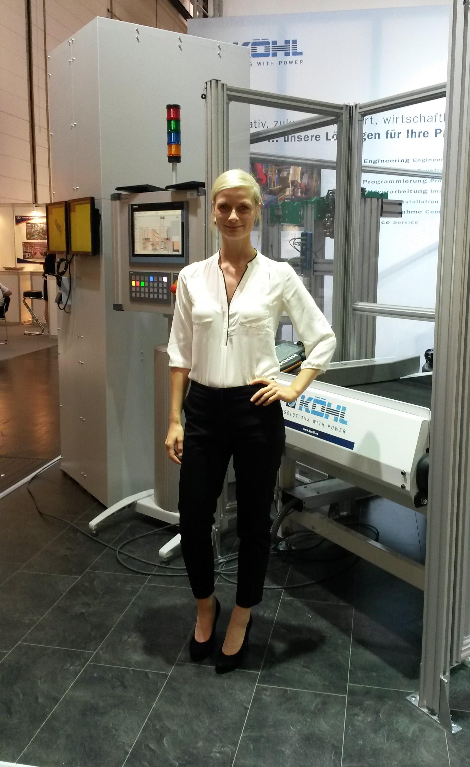 Hostess Bianca aus Köln, Nationalität Deutsch, Haarfarbe blond (hell)