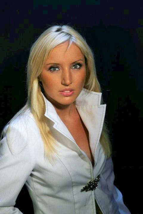 Model Ekaterina aus Düsseldorf Haarfarbe: blond (hell)