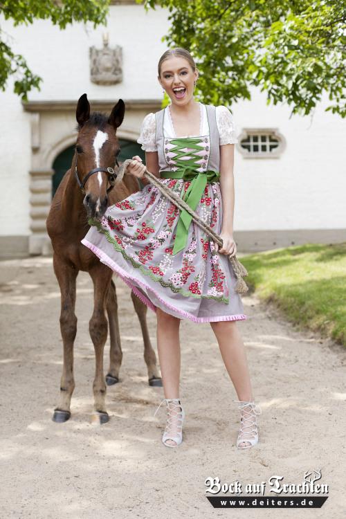 Hostess Aylin aus Mönchengladbach, Konfektion 36, Studium BWL