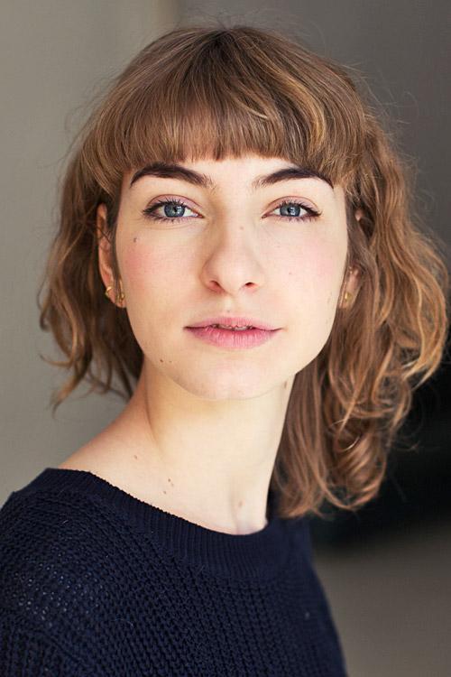 Antonia aus Frankfurt Haarfarbe: blond (mittel), Augenfarbe: blau, Größe: 174
