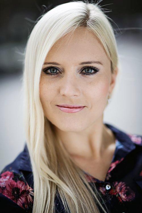 Model Anna aus München Haarfarbe: blond (hell)