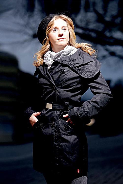 Hostess Lea aus Dortmund, Nationalität deutsch, Haarfarbe blond (mittel)