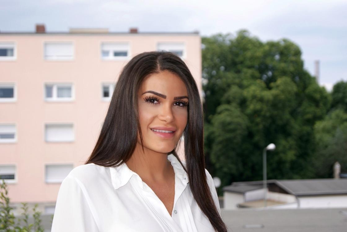 Promoter(in) Roaya aus Berlin, Größe 174, Deutsch Muttersprache