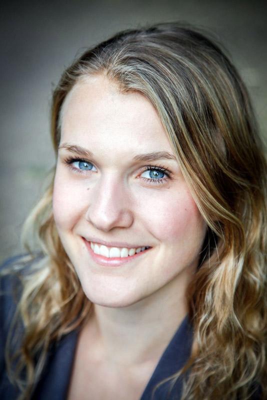 Model Anna aus Köln Haarfarbe: blond (mittel)