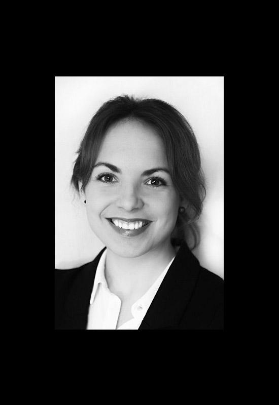 Hostess Katrin aus Hannover, Konfektion 38, Studium Übersetzen und Kommunikation