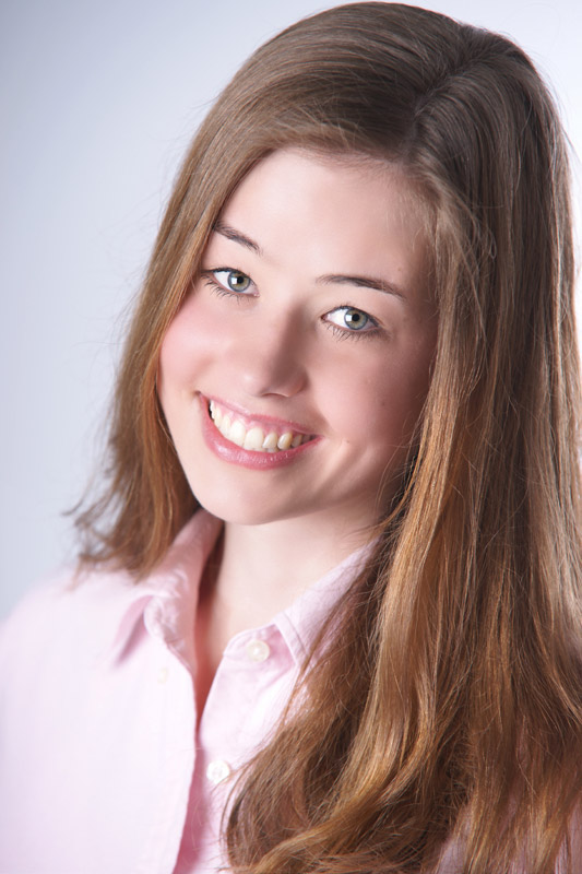 Model Michelle aus Amöneburg Haarfarbe: braun (hell)