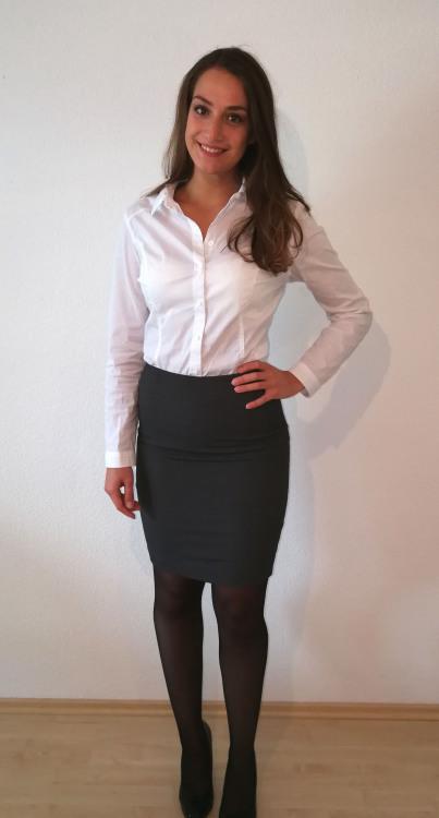 Hostess Emilia aus Heusweiler, Konfektion 36, Studium Medienkulturanalyse
