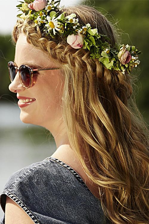 Model Bettina aus Köln Haarfarbe: blond (mittel)