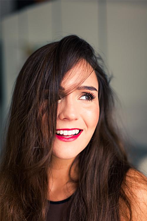Model Luna aus K�ln Haarfarbe: braun (mittel)