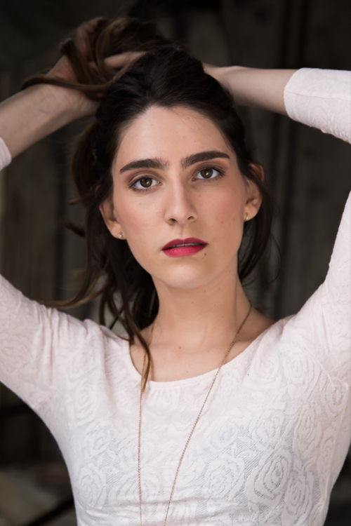 Model Larissa aus Berlin Haarfarbe: braun (mittel)