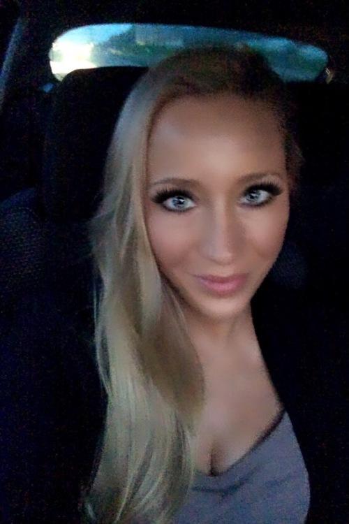 Model Anja  aus Kamp-Lintfort Haarfarbe: blond (hell)
