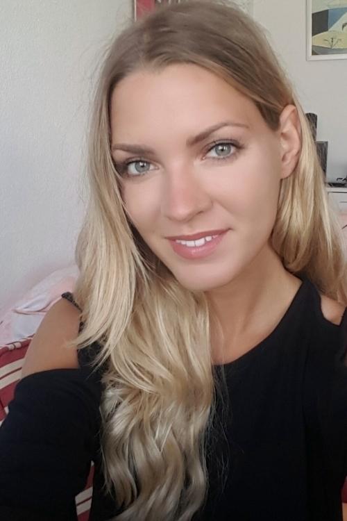 Model Sarah aus Potsdam Haarfarbe: blond (mittel)