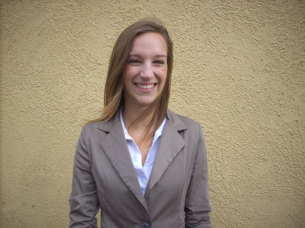 Hostess Verena aus Duisburg, Konfektion 36, Studium Internationales Tourismusmanagement