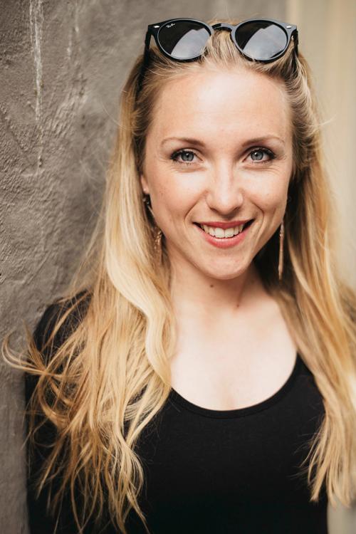 Model Anna-Maria aus München Haarfarbe: blond (hell)