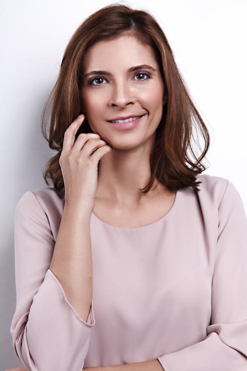 Model Roxana aus Düsseldorf Haarfarbe: braun (mittel)