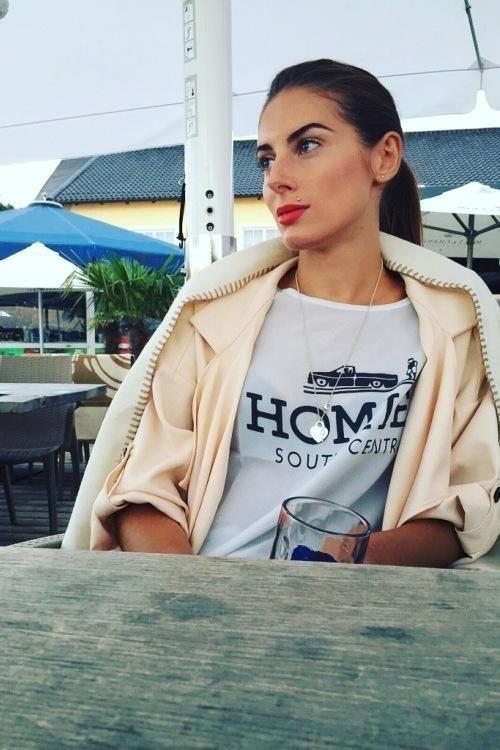 hostess Valeriia, Studium: Sprachwissenschaftlehrerin