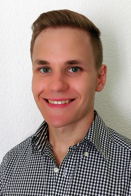 Model Felix aus Alsbach-H�hnlein Haarfarbe: blond (dunkel)