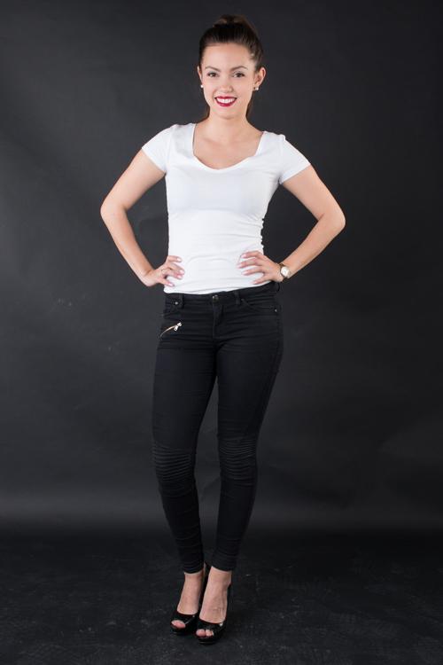 Model Elisabeth  aus Berlin  Haarfarbe: braun (mittel)