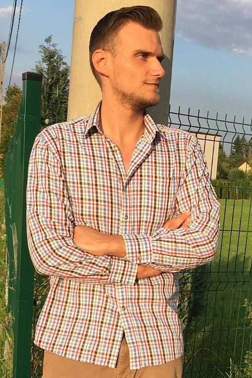 Model Kevin aus Bonn Haarfarbe: braun (hell)