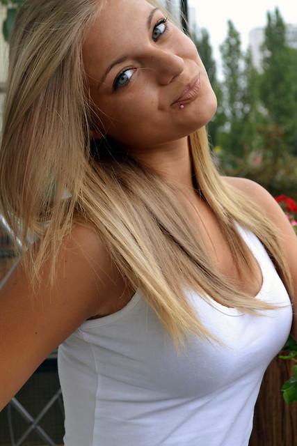 Model Aleksandra aus Schwabach Haarfarbe: blond (mittel)