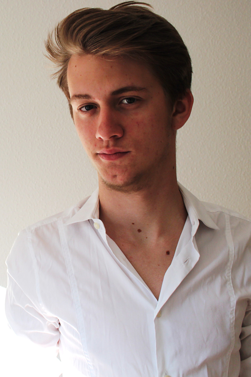 Model Tom aus Berlin Haarfarbe: blond (mittel)