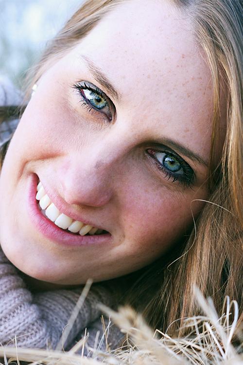 Model Laura aus Isernhagen Haarfarbe: blond (dunkel)
