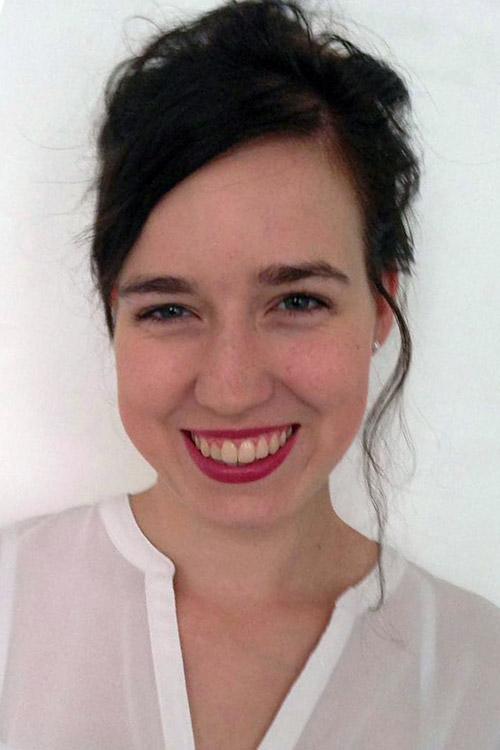 Model Clara  aus Leipzig Haarfarbe: braun (mittel)