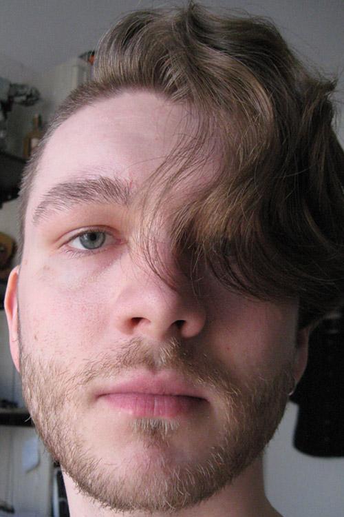 Model Paul aus Wiesbaden Haarfarbe: braun (mittel)