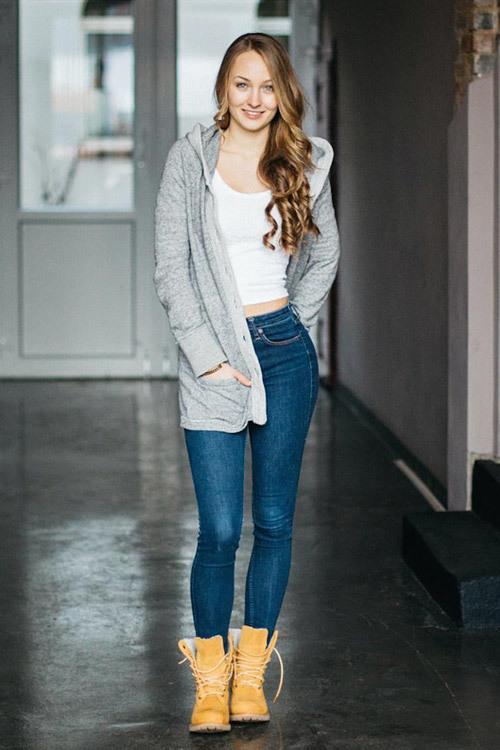 Hostess Lisa aus Hannover, Konfektion 34, Studium Sport und Mathe (Englisch)