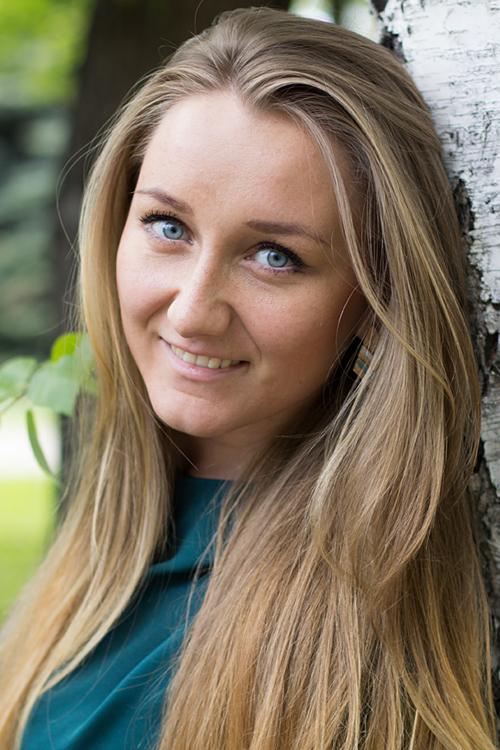 Model Anastasia aus Freiberg Haarfarbe: blond (mittel)