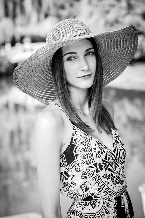 hostess Simona, Studium: Ökologie und Umweltplanung