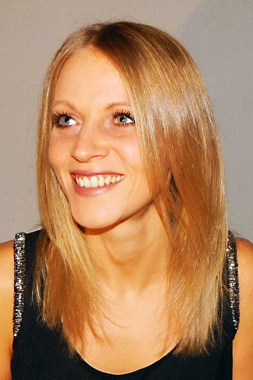 Model Mona aus Nürnberg Haarfarbe: blond (mittel)