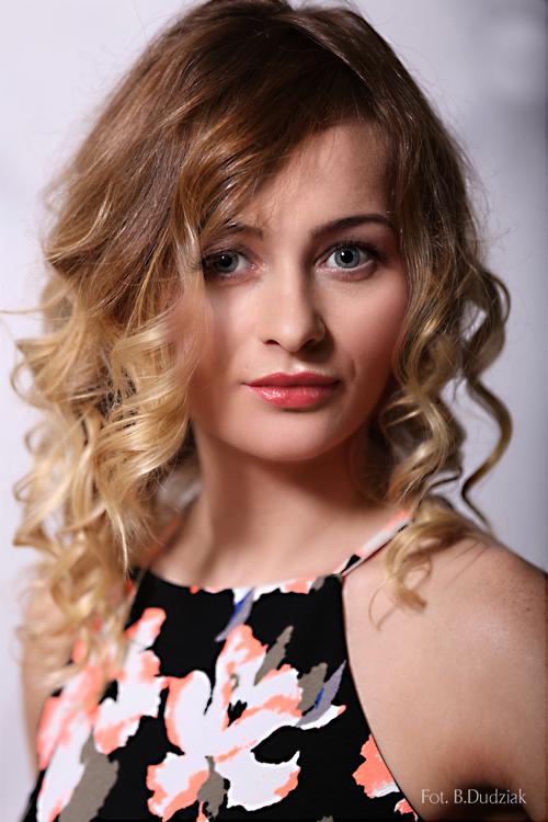 Model Marta aus Essen Haarfarbe: blond (dunkel)
